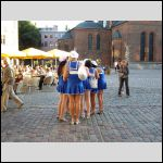 Bachelorettes show their back :-)